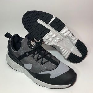 NEW Nike Huarache Utility Grey Black Sneakers